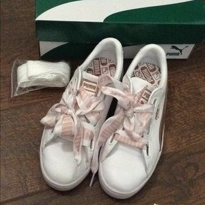 Puma white and rose gold baskets